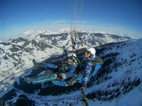 Paragliding above the Glemm valley